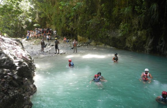 Sports d'aventures avec le canyoning